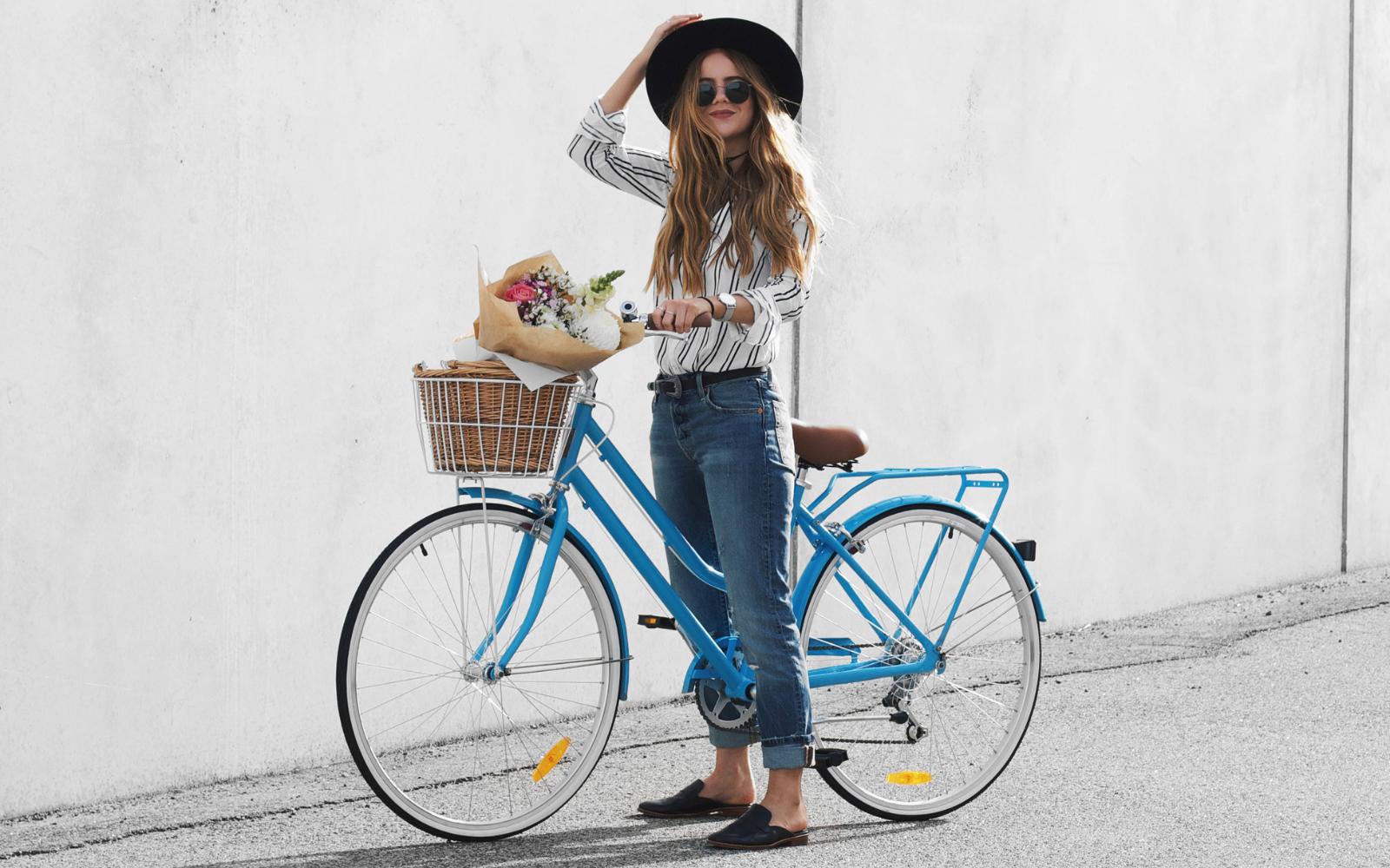 9 22 - Reid ® - Ladies Classic Lite 7-Speed Bike