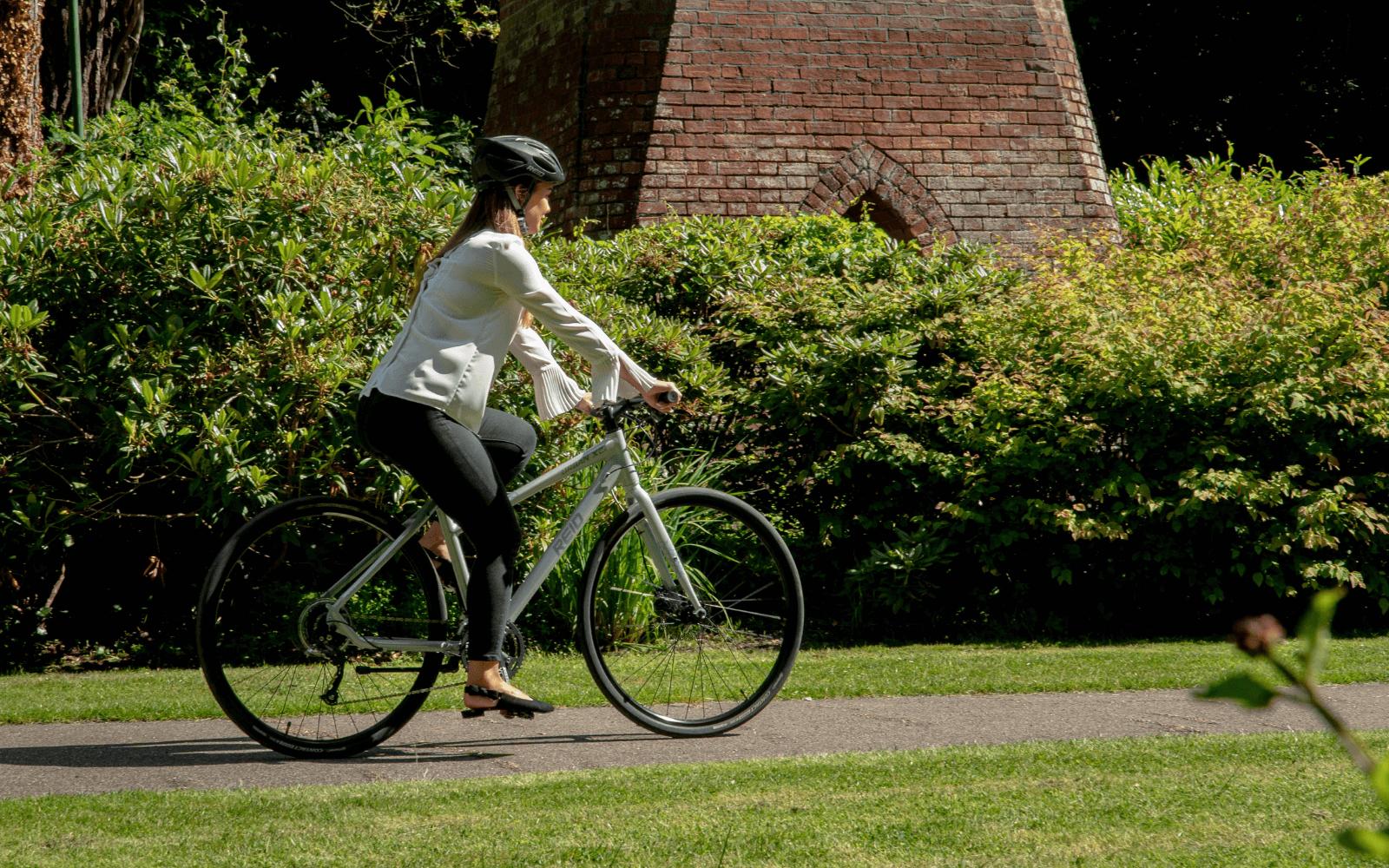 Copy of Copy of Lifestyle images 31 1 - Reid ® - Urban X2 WSD Bike