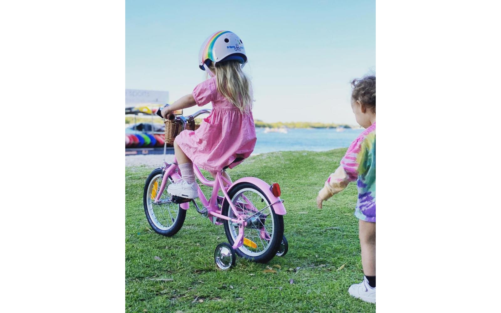 Lifestyle Images 1600 x 1000 2 3 - Reid ® - Girls Classic 16″ Bike