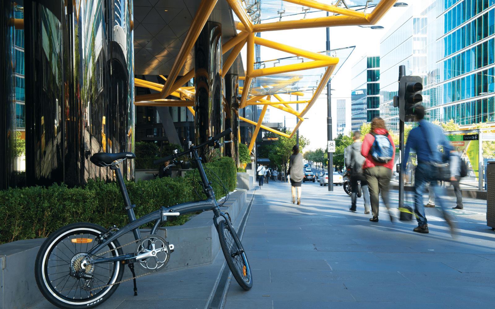 Lifestyle Images Website new 1 min - Reid ® - Metro 1 Bike